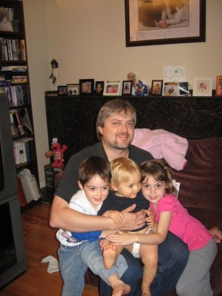 File:Dad and kids.jpg